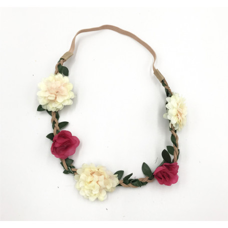 Hårband med naturvita och röda blommor