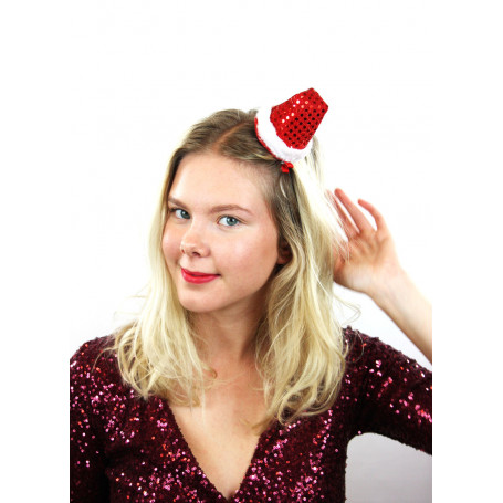 kvinna med hårclips i håret