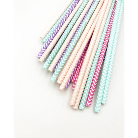 Papperssugrör med ett vågigt mönster. Blandade ljusa pastellfärger.