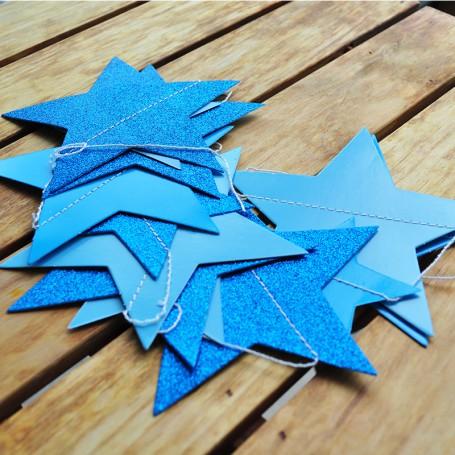 Girlang med girlang med glittrande stjärnor d blå stjärnor papper