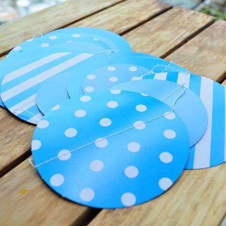 Girlang med blå cirklar