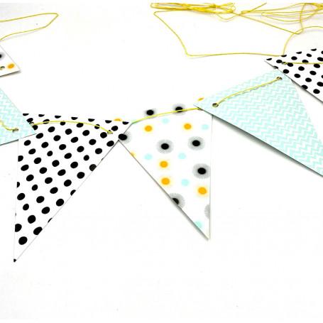 Girlang trianglar med prickar 4M