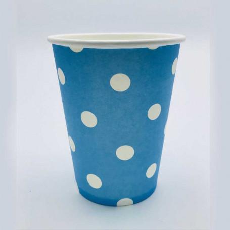 Blå pappersmugg med vita prickar.