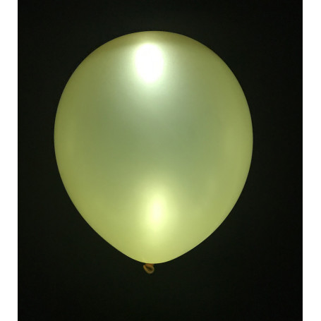 Guldfärgad ballong med LED-lampa i